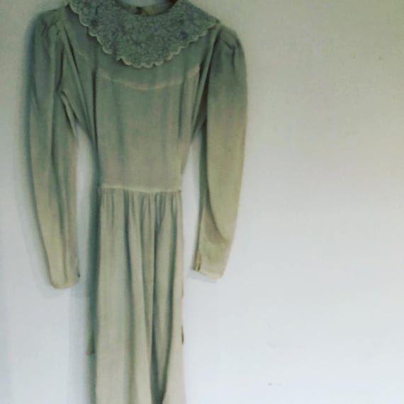 White Crepe 1940s  Floor Length Tea Dress U.K.  8.