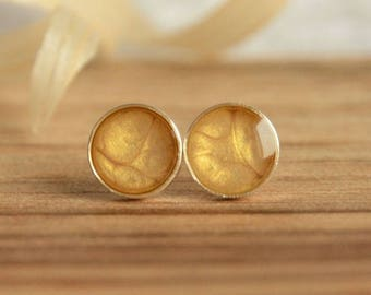 Champagne old gold earrings, minimal circle yellow post earrings, small hand painted round stus, 7mm stud posts in jewelry box
