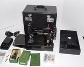 Vintage 1949 Singer Model 221 Featherweight Sewing Machine w Accessories Case