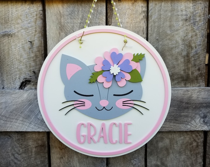 Kitten Name Wooden Sign - Cat Wood Round Name - Personalized Wall Hanging - Nursery Wall Hanging - Kitty Design Door Hanger