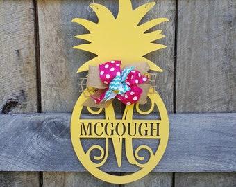 Pineapple Door Hanger - Summer Door Hanger - Personalized Door Hanger - Door Decor - Wall Hanging - Personalized Pineapple Wreath - Initial