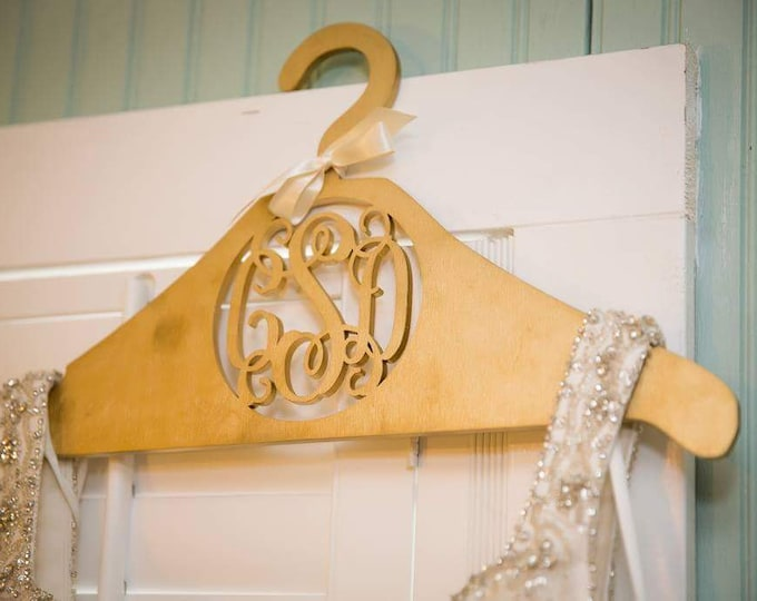 Personalized Wooden Hanger – Custom Bride Hanger – Personalized Wedding Dress Hanger - Bridesmaid Hangers
