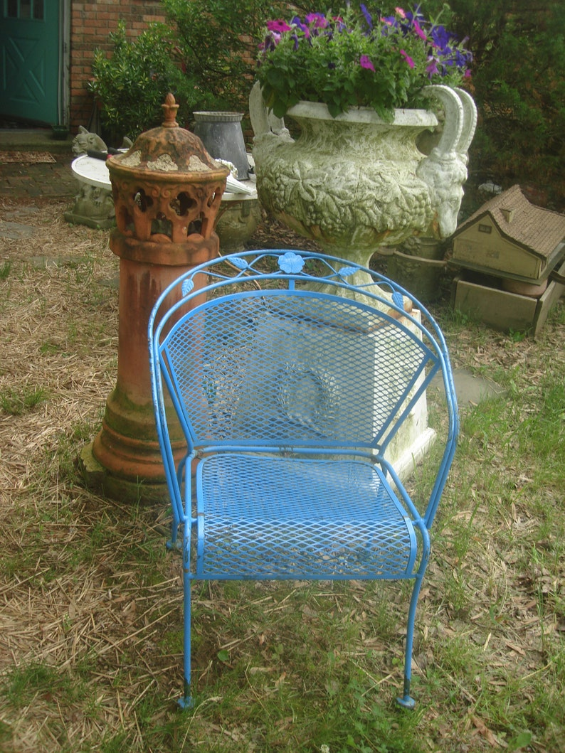 Vintage Metal Lawn Chairs >> Clearance Over 50 Off Vintage Metal Outdoor Chair Antique Etsy