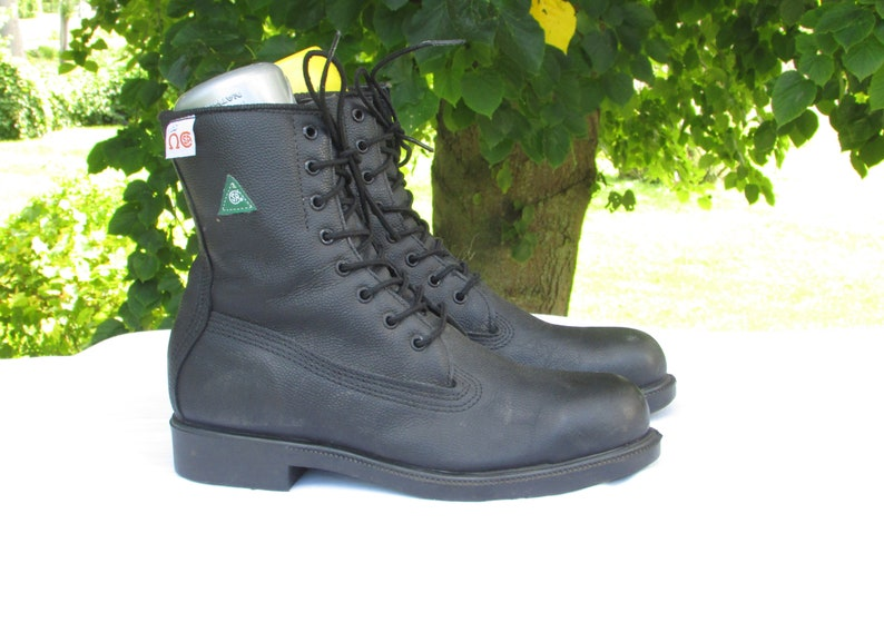 8f1ca0c38b6 Combat Boots Size 8 Black Leather Work Boots Steel Toe Boots CSA Approved  Safety Boots Army Boots Made in Canada Excellent Condition