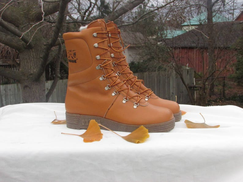 17f601ad584 INOUK Leather Snow Boots Men's Size 10 Warm Winter Boots Insolated Hiking  Boots Trail Boots Made in Canada 70's Dead Stock Like New Rare