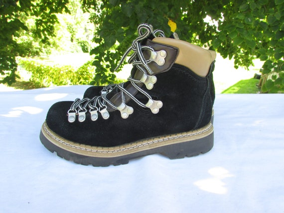 794b76c220e Hiking Boots Size 5 Black Suede Ankle Boots Trail Boots Apres Ski Boots  Lugged Soles 3 Season Hiking Boots Norway Hiking Boots