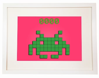 Space Invader - You Can Include White Wood Frame - Geeks & Nerds Talisman - Arcade Shooting Retro Games DeadMau5