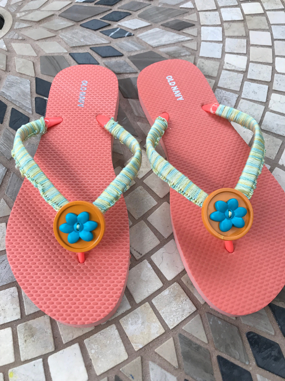 Size 8 women\'s flip flops decorated flip flops beach