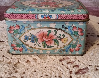 Vintage Daher Floral Tea Biscuit Tin with Hinged Lid