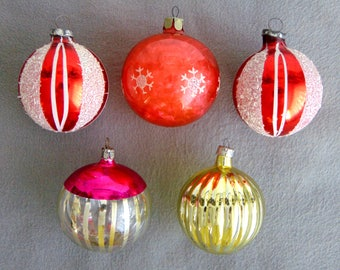 5 Vintage Glass Christmas Tree Ornaments Baubles 1930s/1960s