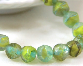 9 pieces Etched glass beads Verdi Green beads