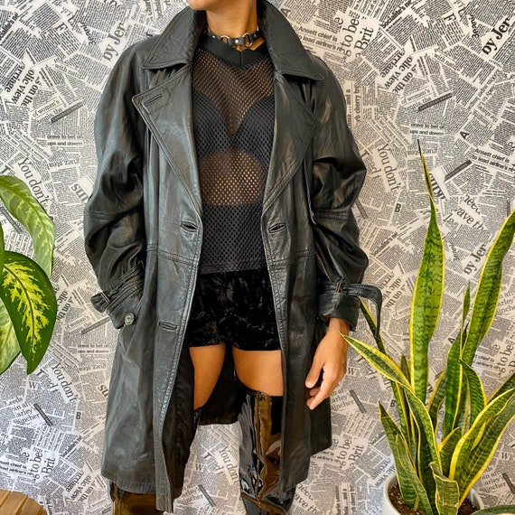 Gorgeous vintage black leather trench coat, size X