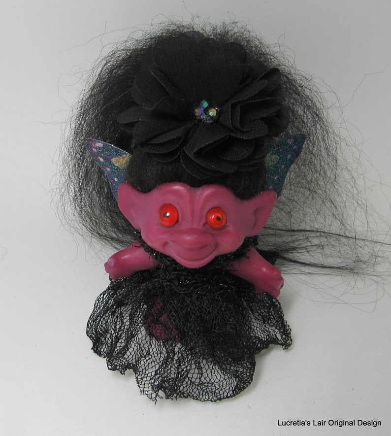 "Nicely Made TROLL KEY CHAIN 3//4/"" Unmarked Troll NEW"
