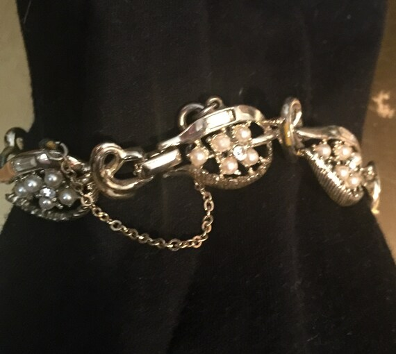 Vintage Coro Gold Link Pearl and Crystal Covered … - image 3