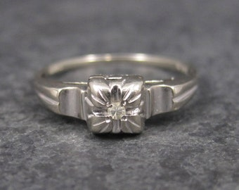 Dainty Vintage 14K White Gold Promise Ring Size 6.5