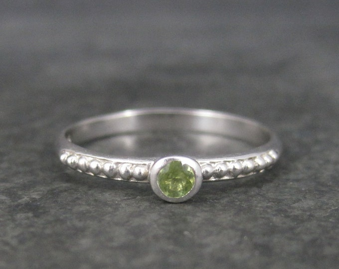 Simple Sterling Peridot Solitaire Ring Size 9 Clyde Duneier