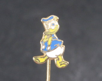 Vintage Licensed Disney Enamel Donald Duck Stick Pin