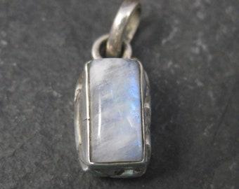 Small Vintage Sterling Rainbow Moonstone Pendant