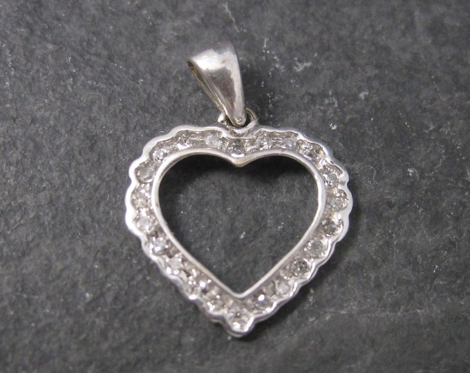 Vintage 10K White Gold .15 Ctw Genuine Diamond Heart Pendant