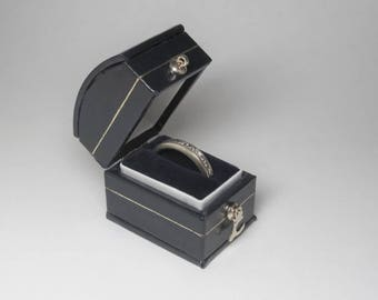 Antique Style Black Engagement Ring Box