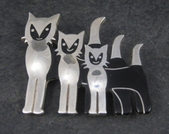 Vintage Mexican Sterling Black Enamel Cat Brooch