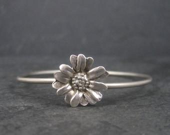 Simple Vintage Sterling Flower Bangle Bracelet 6.75 Inches