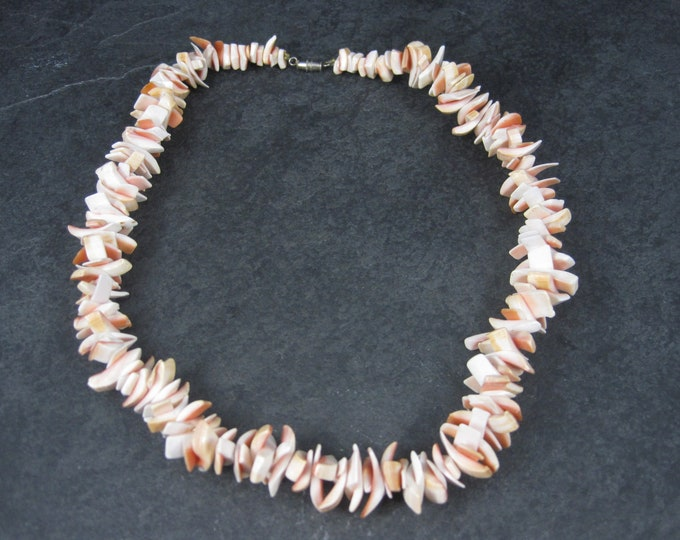 Vintage Coral Necklace 17 Inches