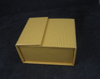 Yellow Textured Folding Magnetic Ring Box