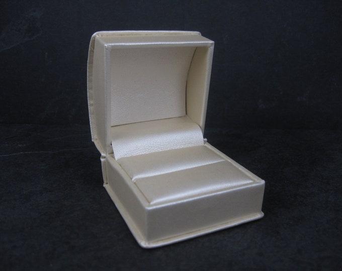 Pearl Engagement Ring Box