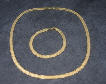Vintage Italian 14K Decorated Herringbone Necklace and Bracelet Jewelry Set