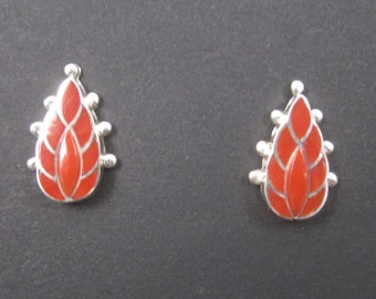 Vintage Zuni Sterling Coral Inlay Flame Earrings Ferdinand Sylvia Hooee