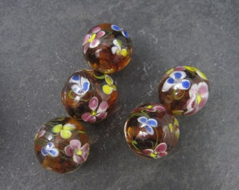 Lot of 5 Vintage Glass Floral Beads 21mm