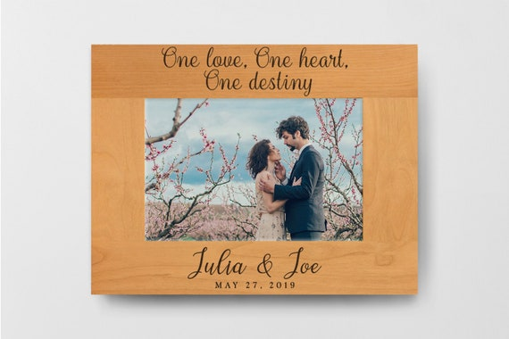 Wooden Frame Gift Family Names Engraves Arrow Design Rustic Wood Frame Christmas Gift for Her or Him