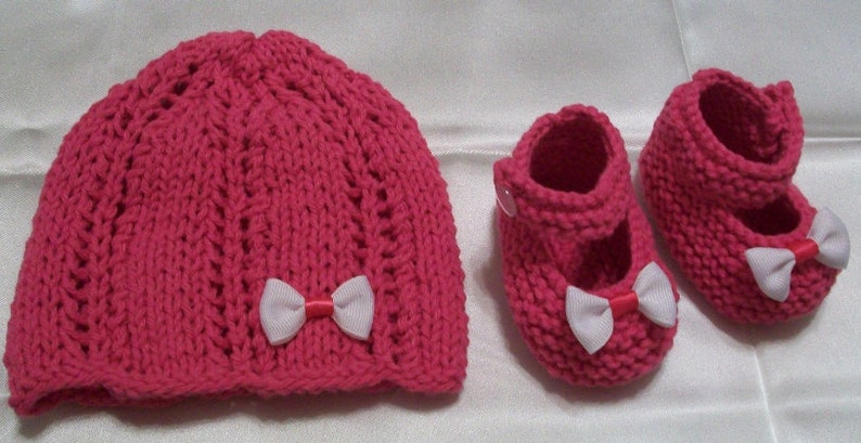 0425bb4b8 Baby set hat and booties Infant Hot Pink Fushia, Beanie, Baby shoes, Mary  Jane Baby Shoes