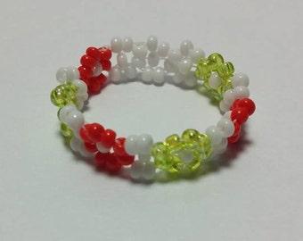 Handmade Daisy Beaded Rings - Size 7/8