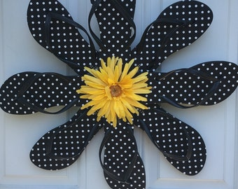 Flower flip flop wreath