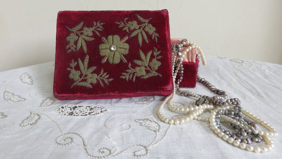 French Red velvet box//trinket  box/small sewing … - image 1