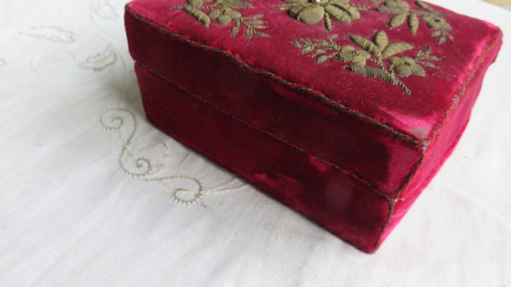 French Red velvet box//trinket  box/small sewing … - image 8