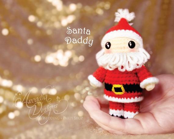 DIY Cupcake Holders   Christmas crochet patterns, Crochet santa, Crochet  ornament patterns   456x570