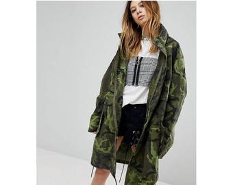 db17d4bb1e1f0 Vintage Czech Army Women s military camo parka jacket coat camouflage  Oversized boyfriend
