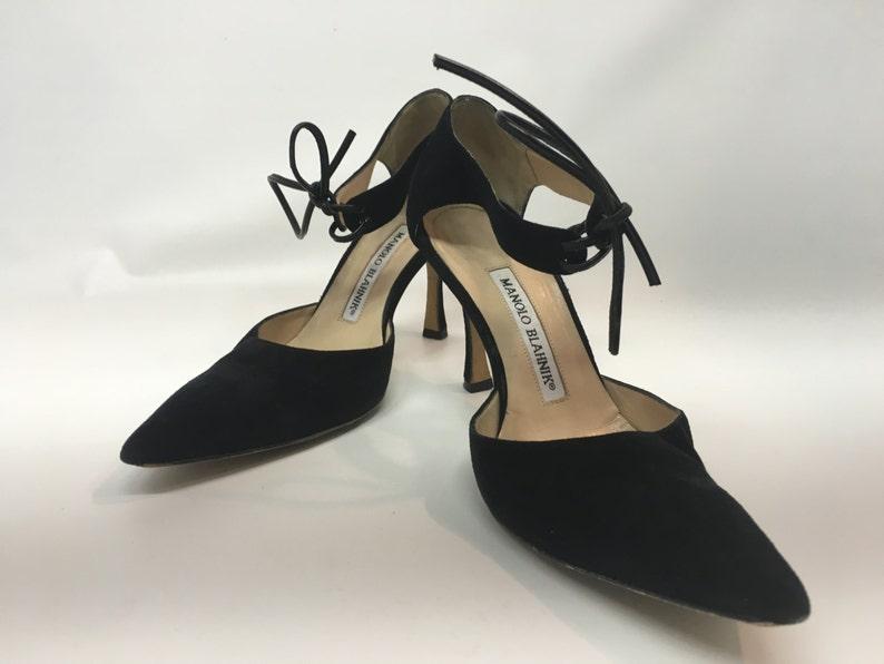 7c8255fee8847 Vintage Women's Black Suede Manolo Blahnik Shoes Vintage image 0 ...