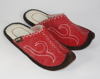 Classic Mongs in Red - Slippers from Mongolia for Men and Women | Handmade | natural | fair | Slippers | Cabin shoes | Wool