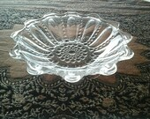 Anchor Hocking Glass Co Art Deco Oyster and Pearl Shallow Bowl Dish in Clear by Anchor Hocking Glass Co