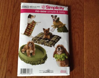 Simplicity pattern 3960  Dog Coats and beds  new uncut