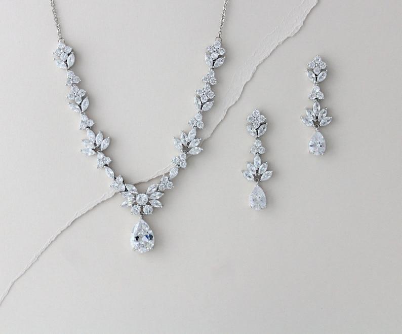 58ee721852 Bridal jewelry set Wedding Necklace and earring set Leaf | Etsy