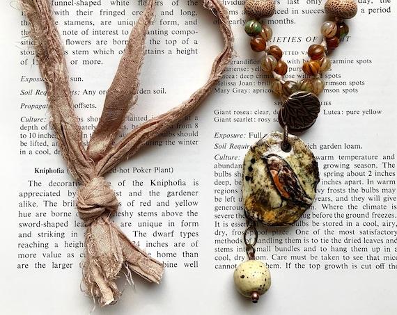 Robin Ceramic Pendant Necklace, Rustic Bird Necklace, Silk Bird Necklace, Artisticaos Bird Necklace