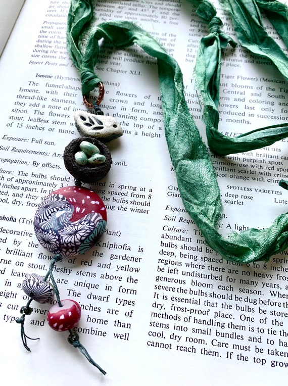 Silk Nest Necklace, Silk Bird Necklace, Mushroom Inspired Necklace, Humblebeads Necklace, Artisticaos Necklace, Robin Nest Silk Necklace