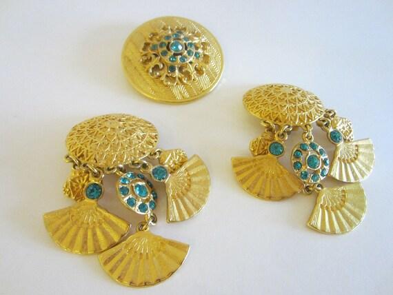 Golden Dangling Clip On Fan Shape Brass Earrings B