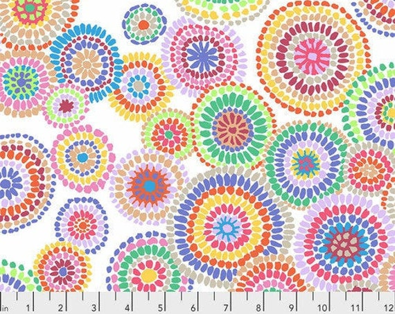 Mosaic Circles - White Kaffe Fassett PWGP176 Quilting fabric Cotton Fabric