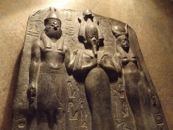 Egyptian statue / sculpture - Dedia stele the master builder. Isis Osiris & Horus -19th dynasty art